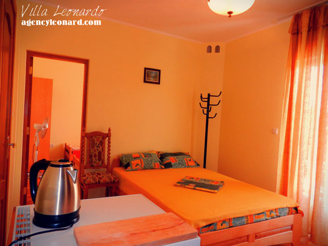 1 Suite -Two Bedroom apartments (with kitchen) for 3-4 persons