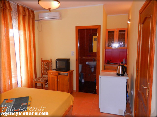 1 Suite - Two Bedroom apartments (with kitchen) for 3-4 persons